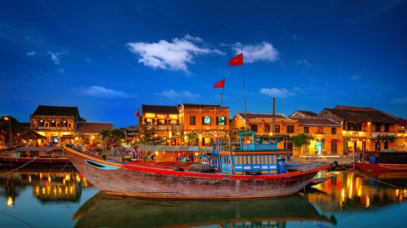 Tour Vietnam – 8 Days Hanoi – Halong – Danang – Siem Reap 2018